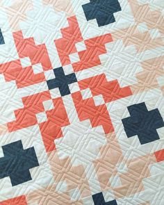 """""""I had googly eyes the whole time this Norway quilt was on the machine yesterday. #quilting #longarmquilting"""""""