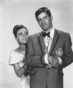 Jerry Lewis, & Anna Maria Alberghetti in Cinderfella Hollywood Couples, Hollywood Men, Old Hollywood Glamour, Golden Age Of Hollywood, Vintage Hollywood, Classic Hollywood, Funny Happy Birthday Images, Jerry Lewis, Old Movie Stars