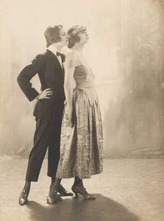 dapper and flapper duo Vintage Lesbian, Lesbian Art, Vintage Vogue, Vintage Ladies, Old Pictures, Old Photos, Vintage Photographs, Vintage Photos, Anita Berber
