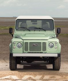 The guys at Land Rover have leaked out a few additional photos of the gorgeous limited edition Land Rover Defender Heritage. In celebration of the Defender Land Rover Defender 110, Defender 90, Best 4x4, Automobile, Off Road, Steel Wheels, Land Rovers, Range Rover, Cool Cars