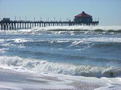 Waves and pier at Huntington Beach
