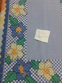 Chicken Scratch Embroidery, Patch Quilt, Hand Stitching, Embroidery Stitches, Gingham, Diy And Crafts, Kids Rugs, Quilts, Knitting