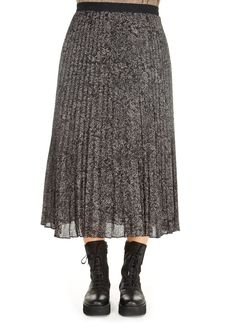 This is the 'Delphine' Pleated Snake Print Skirt by top brand, Rails! The 'Delphine' is the typically feminine pleated skirt. Features a grey and black tonal snake print all over, a stretchy waistband gives this bright design a smart, fitted look. Pair it with heels or trainers and Rails Imogen Hazelnut chunky knit jumper . Ideal for any occasion! Pleated Skirt, Midi Skirt, Sequin Skirt, Chunky Knit Jumper, Printed Skirts, Snake Print, Shop Now, Feminine, Trainers