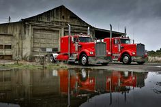 A pair of perfect trucks... love those Kenworths!