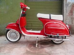 Vespa...I want this one!