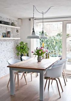 Dining Room Design: Take a look at this dazzling dining room lighting with an amazing dining room decor Dining Room Design, Dining Room Chairs, Dining Area, Kitchen Dining, Dining Rooms, Small Dining, Kitchen White, Dining Tables, Pendant Lighting Over Dining Table