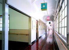 篠山チルドレンズミュージアム/グラフィティ棟廊下