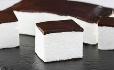 Ptasie mleczko | AniaGotuje.pl Sweet Recipes, Cake Recipes, How To Make Marshmallows, Different Cakes, Polish Recipes, Food Cakes, Pavlova, Pumpkin Spice Latte, Muesli
