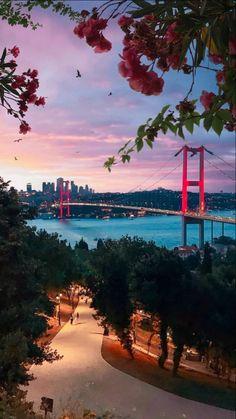 Istanbul City, Istanbul Travel, Istanbul Turkey, City Wallpaper, Sunset Wallpaper, Iphone Background Wallpaper, Turkey Art, Turkey Photos, Romantic Places