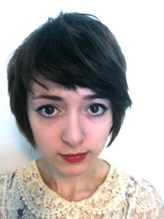 Helpful Folly: Growing out a pixie cut part 2: Inbetween stage and short bob
