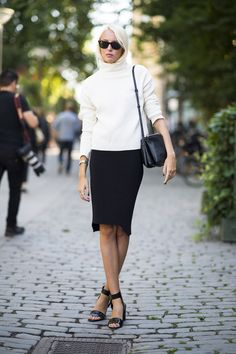 This season, get ready for the return of minimalism — crisp black-and-white palettes as well as easy pieces. #fall #fashion