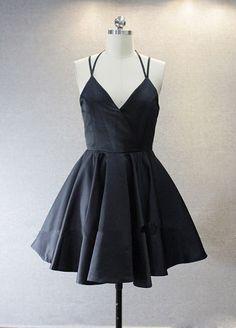 Little Black Homecoming Dresses 2016 Short V Neck Spaghetti Straps Short Prom Dress Satin Simple Cheap Vestido De Fiesta Curto