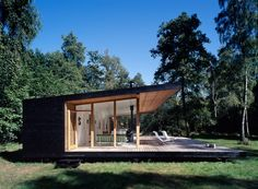 Christensen & Co - Summerhouse, Asserbo. Via. As temperatures drop and winter rolls in, I'm thinking more and more about summer homes like this.