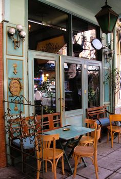 ‎Cafe‬ in ‎Thessaloniki‬, ‎Macedonia‬, ‎Greece‬ Cafe Bar, Sidewalk Cafe, Coffee Places, Cool Cafe, Shop Fronts, Greek Islands, Greece Travel, Crete, Santorini