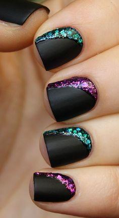 glitter design w/ matte nails