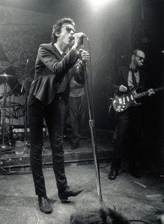 21 Amazing Black and White Photographs That Capture New York's 1970s Punk Rock Scene at CBGB