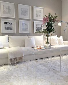 9 minimalist living room ideas that will inspire you to declutter 8 My Living Room, Interior Design Living Room, Living Room Designs, Living Room Decor, Living Spaces, Bedroom Decor, Small Living, Salas Lounge, Cool Apartments