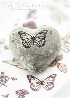 Decorated concrete heart (using rub on tattoos) - by Craft & Creativity Concrete Crafts, Concrete Art, Rock Crafts, Arts And Crafts, Diy Crafts, Rock And Pebbles, Newspaper Crafts, Adult Crafts, Love Craft