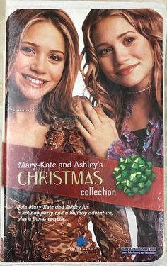 Mary-Kate & Ashleys Christmas Collection VHS 2001 Clamshell Packaging Gift Set