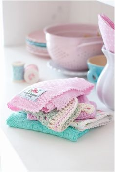 A House Full of Pastels and Greengate & knit & crocheted dishcloths from Falby.