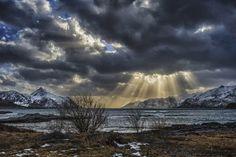 Lofoten Island. By Stein Liland