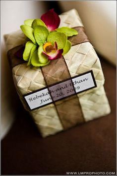 64 Super Ideas For Wedding Favors Diy Tropical Diy Wedding Favors, Wedding Cards, Party Favors, Wedding Gifts, Wedding Favor Boxes, Wedding Giveaways Ideas Souvenirs, Creative Gift Wrapping, Tropical Party, Chocolate Gifts