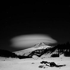 Lenticular cloud. Mt Hood, Oregon.
