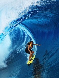 Wins Billabong XXL Global Big Wave Award Forth Year in a Row. Big Wave Surfing, Surfing Tips, Water Surfing, Female Surfers, Beach Tan, Learn To Surf, Beautiful Ocean, Windsurfing, Big Waves