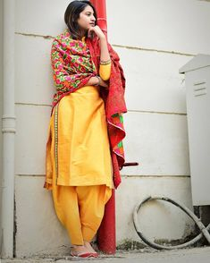 Designer Punjabi Suits, Indian Designer Wear, Ethnic Outfits, Indian Outfits, Function Dresses, Punjabi Models, Punjabi Girls, Punjabi Fashion, Embroidery Suits