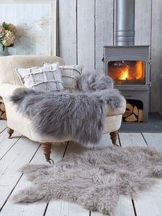 In het weekend lekker met je boek wegkruipen op de bank, tussen de warme kussens en dekentjes. Opwarmers voor de laatste wintermaanden? lees de blog!
