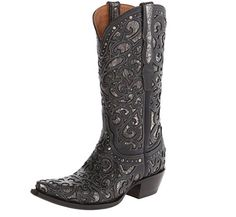 While classic cowboy boots or work boots are my favorite, I think that it's great to have a good pair of black boots to wear when the mood strikes. Black Cowboy Boots, Cowgirl Boots, Coyote Ugly, Fall Wardrobe Essentials, Black Cowboys, Cowgirl Chic, Hunting Season, Deer Hunting, Western Wear