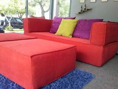 Sofa Cama Ibiza box + 2 taburetes color naranja