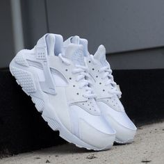 Nike Air Huarache Run Triple White Women 634835 108 Black OG Nike  RunningCrossTraining