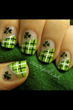Cutepolish's St. Patrick's Day nails.