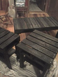 Hey, I found this really awesome Etsy listing at https://www.etsy.com/listing/174987383/pallet-furniture-coffee-table-and-end