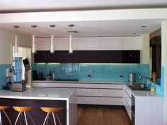 Gloss kitchen cabinets and handless drawers Kitchen Cabinets, Interior Design, Table, Kitchens, Furniture, Home Decor, Image, Nest Design, Decoration Home