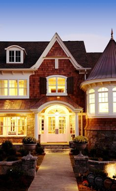georgianadesign: Shingle style home in Michigan. VanBrouck & decorating before and after house design designs Style At Home, Home Design, Design Room, Design Ideas, Future House, My House, Shingle Style Homes, Sweet Home, Coastal Homes