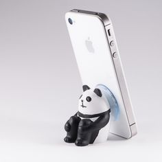 Oh my gosh I LOVE this!!!! :: Panda cell phone holder
