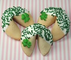 St Patrick's Day fortune cookies. Really cute, easy idea!