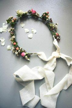 Couronne bohème avec fleurs