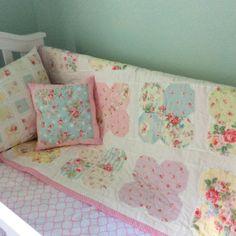 Flower Garden quilt by adaisygarden.com