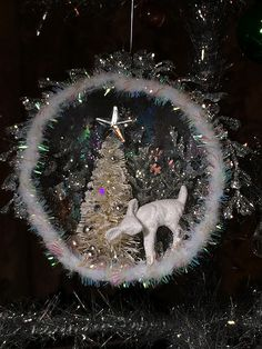 a few shadow boxes and diorama ornaments from the past week Christmas Globes, Diy Christmas Ornaments, Christmas Wreaths, Christmas Bulbs, Christmas Decorations, Holiday Decor, Holiday Ideas, Christmas Ideas, Diy Xmas Projects