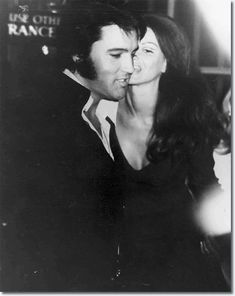 Elvis Presley at a Nancy Sinatra show at Caesar's Palace in Las Vegas, Nevada : August 6, 1970.