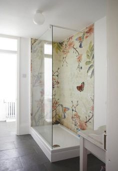 This is a good idea for a wall mural looks to be hand painted onto the tiles but what a fab idea for all budding artists. Some good quality base white tiles and create your own murial. Bad Inspiration, Bathroom Inspiration, Interior Inspiration, Bathroom Ideas, Bathroom Remodeling, Design Bathroom, Basement Remodeling, Remodeling Ideas, Remodeling Contractors