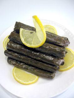 TURKISH STUFFED GRAPE LEAVES WITH OLIVE OIL (Zeytinyagli yaprak sarmasi) #cooking #recipe
