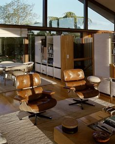 Home Decor Living Room Marcel Breuers Sayer House in Normandie - Mid Century Home.Home Decor Living Room Marcel Breuers Sayer House in Normandie - Mid Century Home Colani, Living Vintage, Lounge Chair, Decoration Inspiration, Mid Century House, Minimalist Home, Minimalist Fashion, Traditional House, Cheap Home Decor