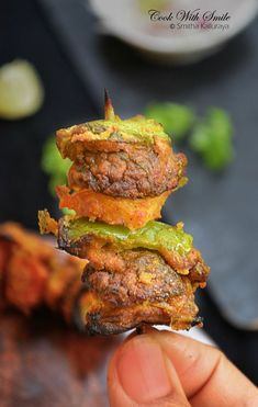 Tandoori Mushroom or Mushroom Tikka Kabab is a healthy and protein rich tandoori recipe made from button mushrooms. These grile mushrooms is one of the best appetizer for parties. Grilled Mushrooms, Stuffed Mushrooms, Tandoori Recipes, Potato Sandwich, Tikka Recipe, Mushroom Recipes, Appetizers For Party, Indian Food Recipes, Food To Make