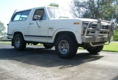 1984 Ford BRONCO (4X4) - Bronco351 - Shannons Club