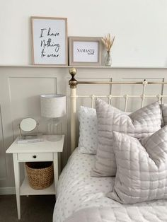 Cream And White Bedroom, Grey And Gold Bedroom, Neutral Bedroom Decor, Master Bedroom Interior, Beige Bedrooms, Cream Bedrooms, Cat Bedroom, Romantic Bedroom Decor, Serene Bedroom