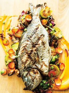 The royal bream barbecue sauce veined Helena Loureiro Clean Recipes, Fish Recipes, Seafood Recipes, Healthy Recipes, Recipies, Barbacoa, Seafood Dishes, Fish And Seafood, Blackened Fish Recipe